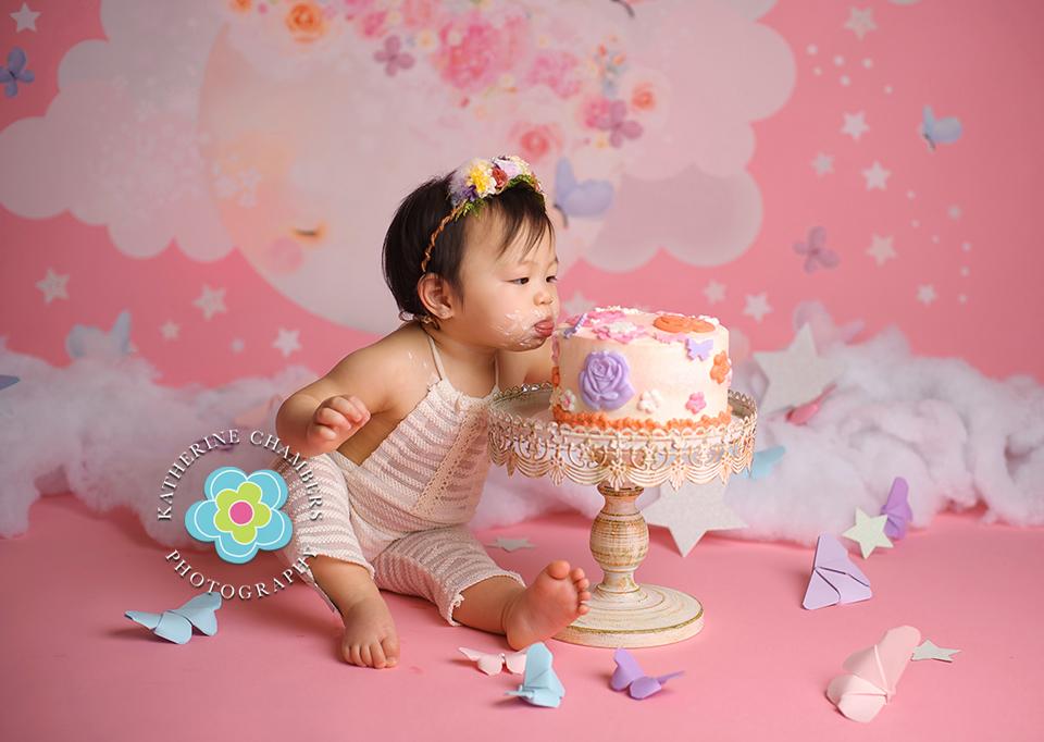 Cleveland cake smash Photographer, Katherine Chambers Photography, www.katherinechambers.com (5)