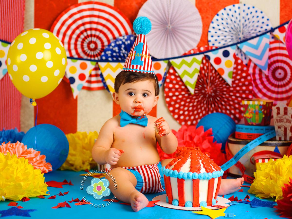 Circus Cake Smash, One year session, Cleveland Cake Smash