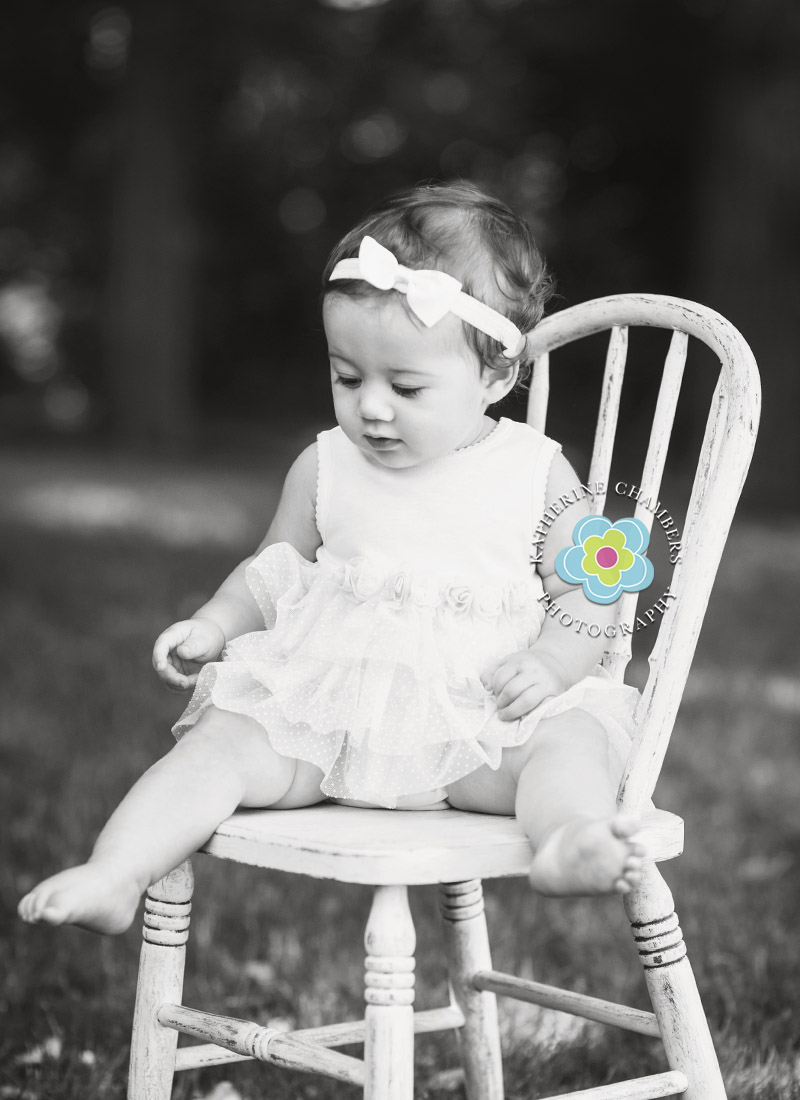 Black and White Baby Photo, Avon Lake Baby Photographer, One Year Session, Baby's First Year Package (5)