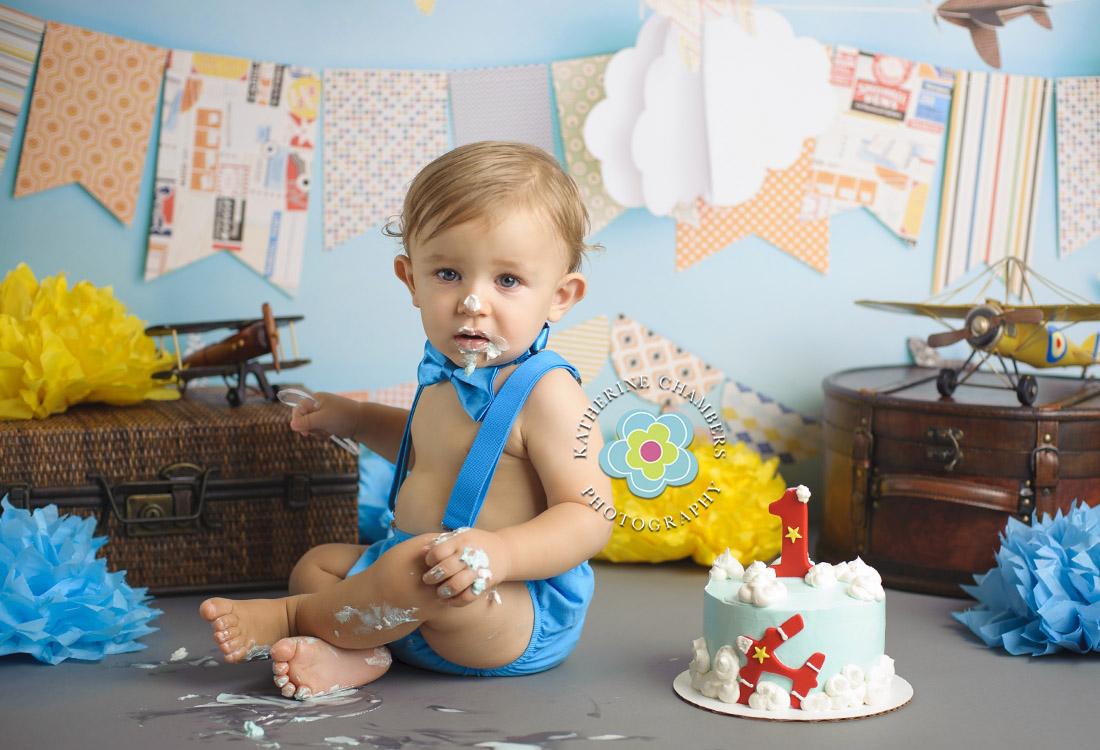 Highland Heights Family Photographer | AirPlane Cake Smash | Cleveland Cake Smash Photograph