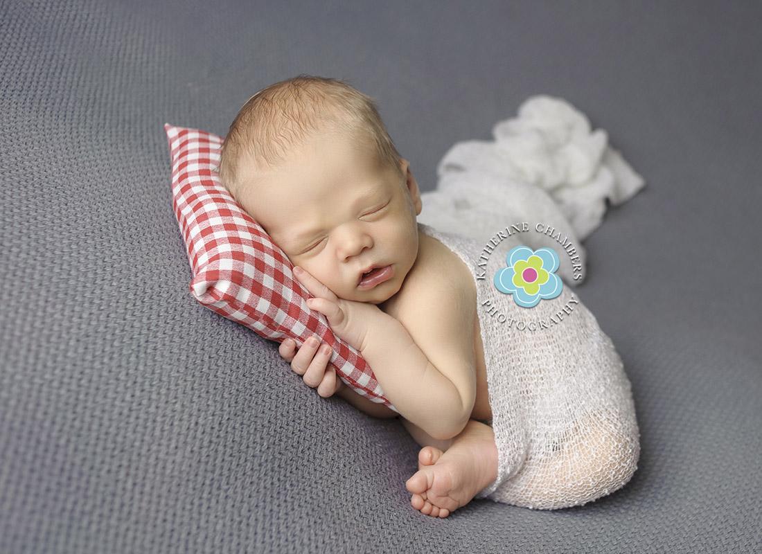 Cleveland Newborn Photographer | Best Newborn Photographer in Westlake Ohio | Taco Pose