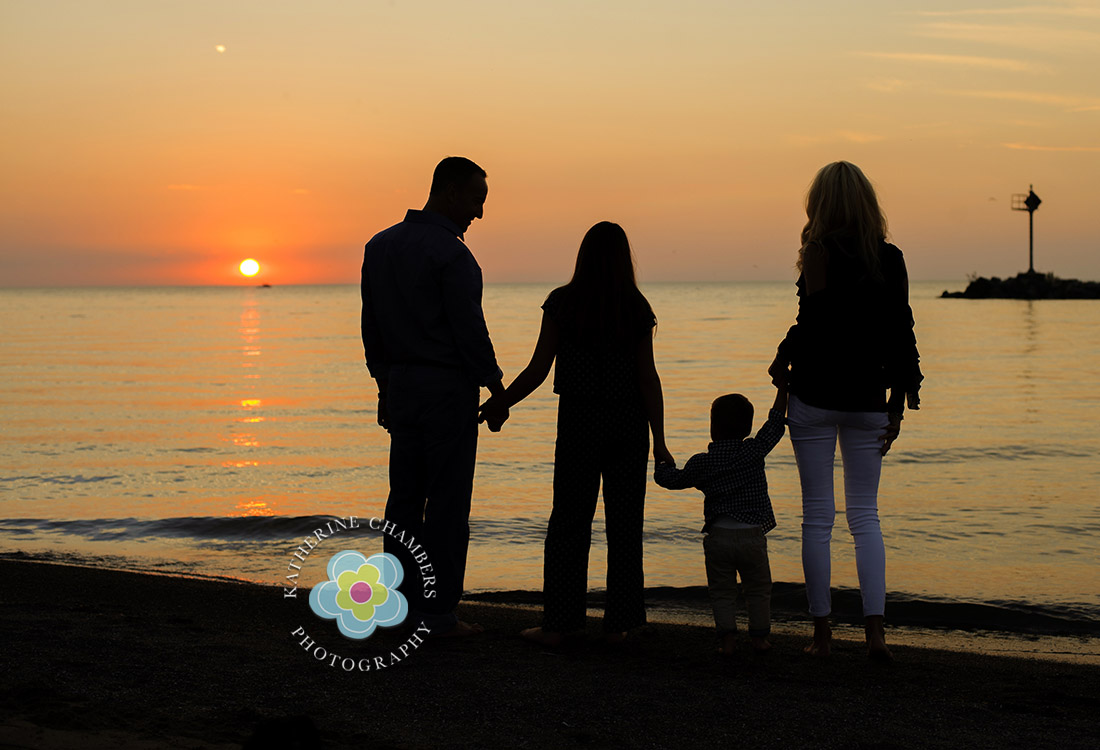 Sunset Beach Photo | Rocky River Family Photographer | Family Photographer in Cleveland