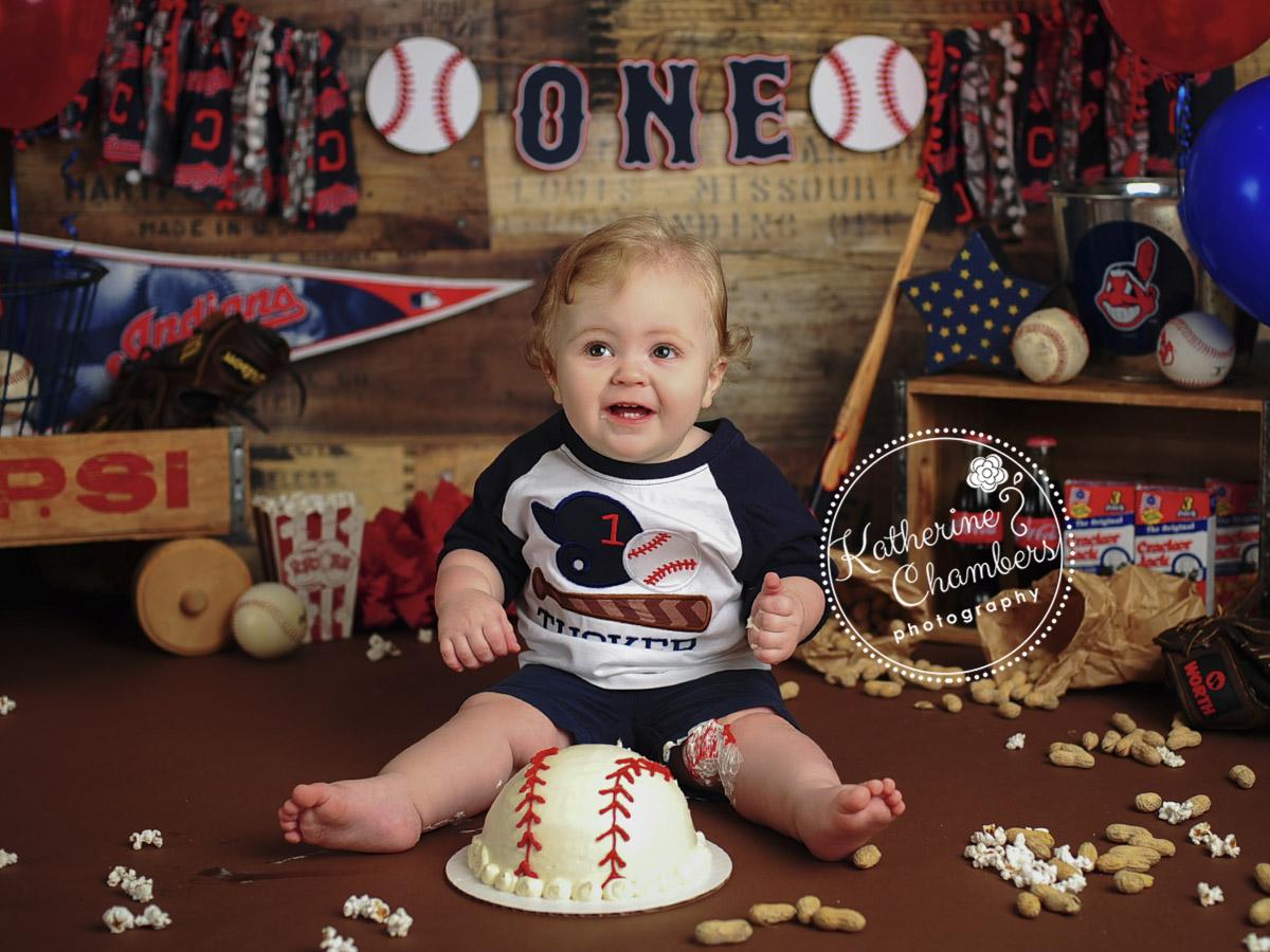 Cleveland Cake Smash Baby Photographer, Baseball Cake smash, Cleveland Indians