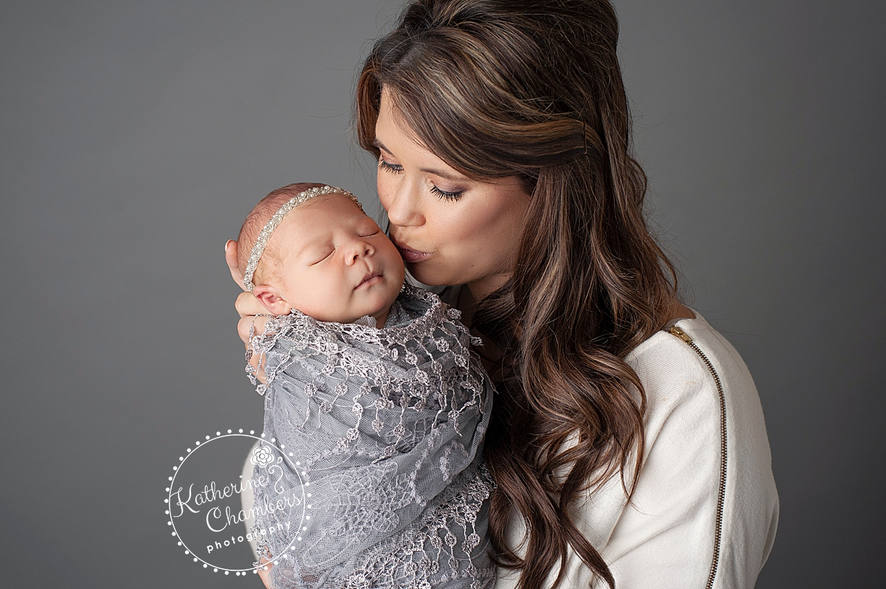 Best Cleveland Newborn Photographer, Mommy and Me