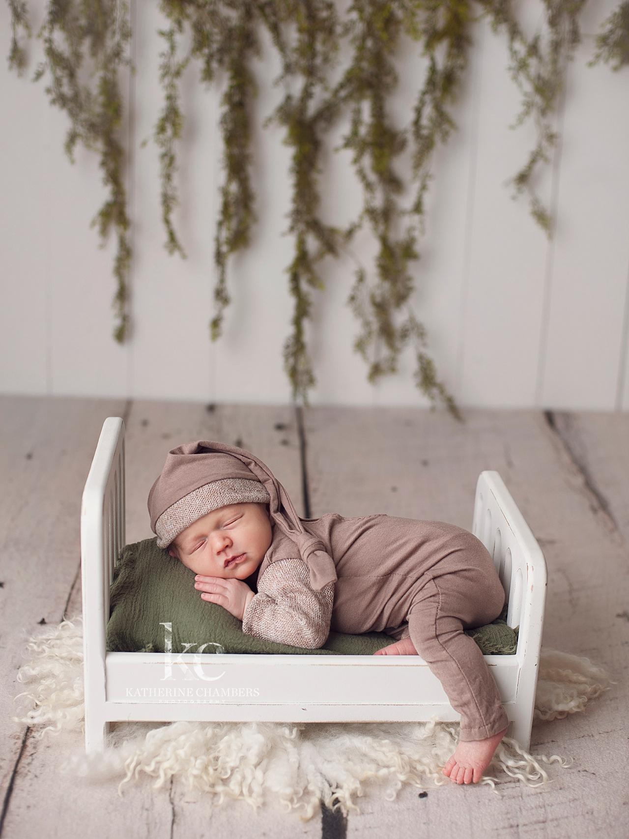Sleepy Hat | Cleveland Newborn Baby Photography
