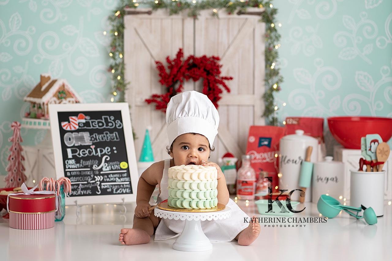 Baker Cake Smash | Cleveland Baby Photographer