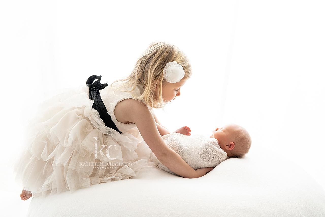 Sibling with Newborn | Newborn Baby Photo Session
