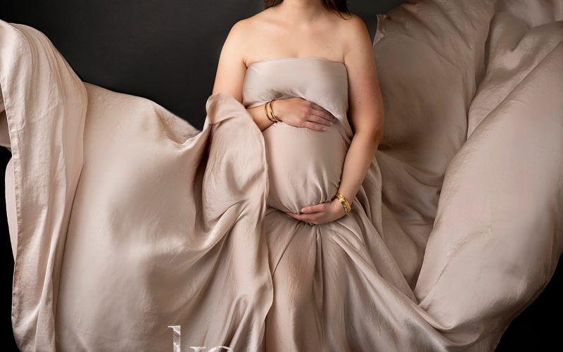 Cleveland Heights Maternity Photographer